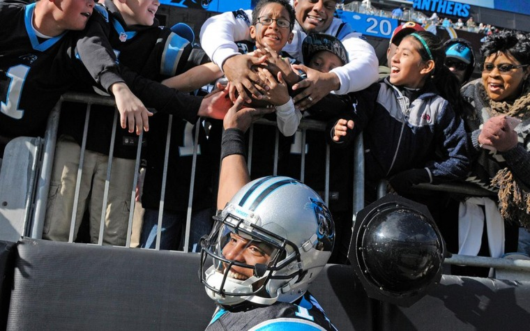 Panthers matienen invicto; Ganan los Cowboys