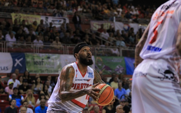 Piratas 87-82 Capitanes